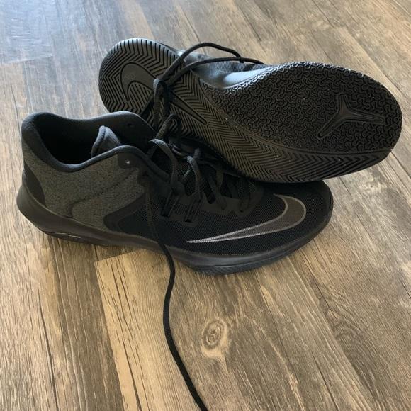 2fc1db7c112f New Nike Air versatile II NBK